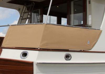 Bimini en railingkleden beige | Grand Banks 46 Europa